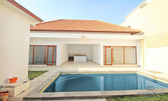 Image 1 from 2 Bedroom Unfurnished Villa For Yearly Rental in Batu Bolong