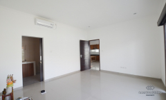 Image 2 from 3 bedroom unfurnished villa for yearly rental in Berawa