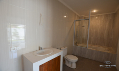 Image 3 from 3 bedroom unfurnished villa for yearly rental in Berawa