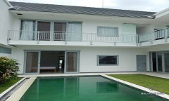 Image 1 from 4 Bedroom Villa For Sale & Rent Near Berawa Beach
