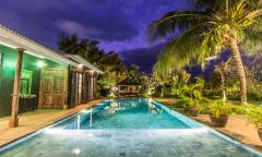 Image 1 from 5 Bedroom Villa For Long Term Rental in Umalas