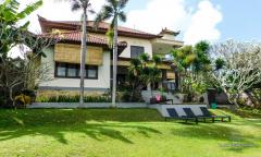 Image 2 from 6 Bedroom Villa For Yearly Rental in Kerobokan
